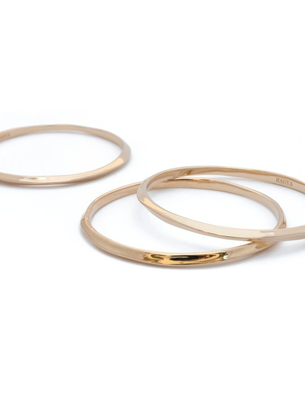 Large tide bangle set gold5.jpg6f589814 613a 49a7 af36 746d3b8ae1b7